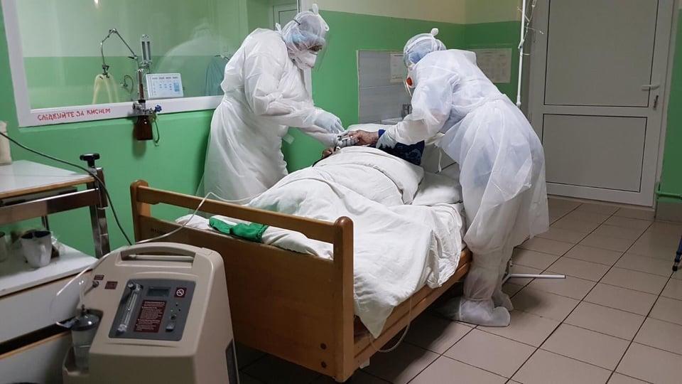 Через свята в Україні різко зменшилась кількість хворих на COVID: 2 576 випадків за добу