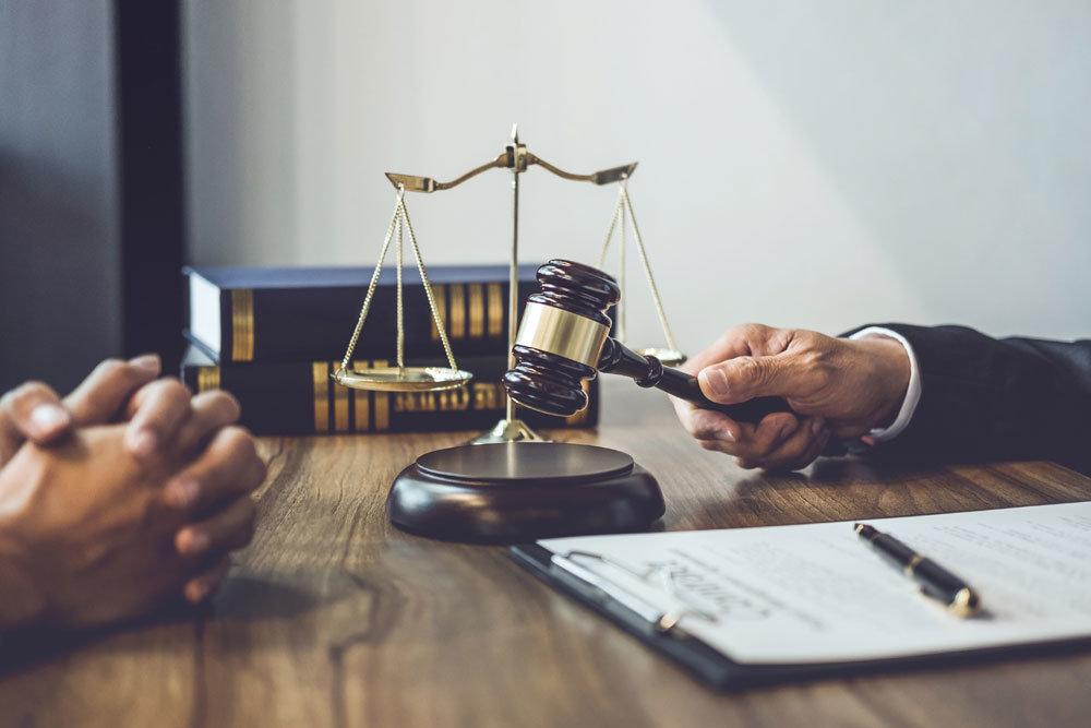 """""""Якщо не моя, то нічия"""": у Львові засудили чоловіка, який викруткою намагався вбити жінку"""