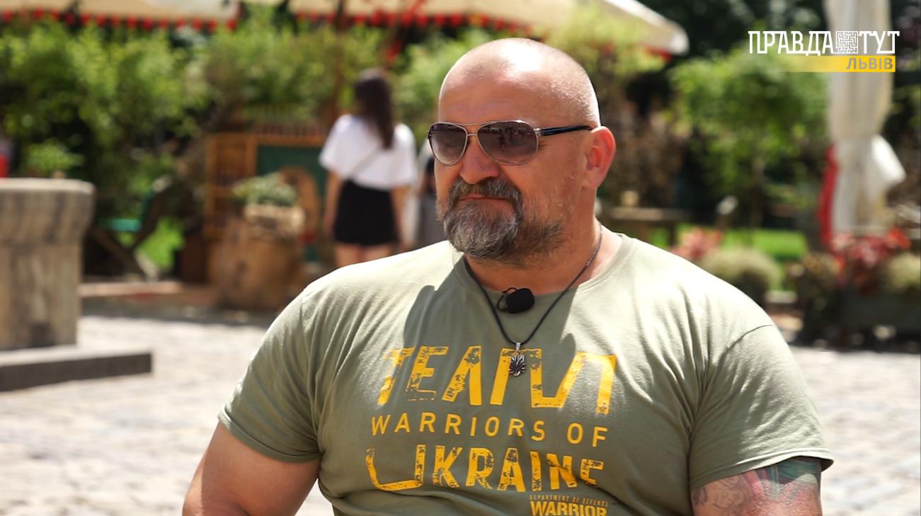 """""""Коли була бійка у ВР, я вже був """"стартанув"""": Василь Вірастюк розповів про політику та особисте (відео)"""