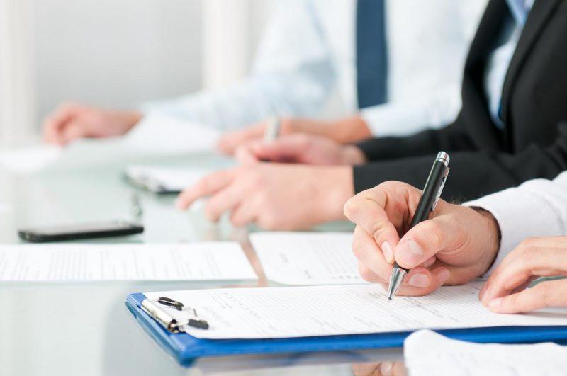 Вперше в Україні чиновники складають іспит з української мови