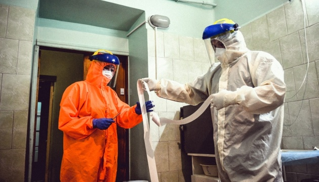 За добу в Україні зафіксували понад 650 нових випадків коронавірусу