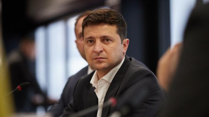 Кадрові зміни в ЗСУ: Зеленський звільнив начальника Генштабу та командувачів ООС і ДШВ