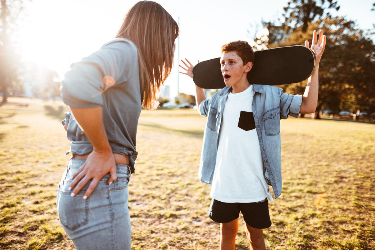 Перехідний вік у підлітків: перші ознаки та як полегшити дитині складний період (відео)