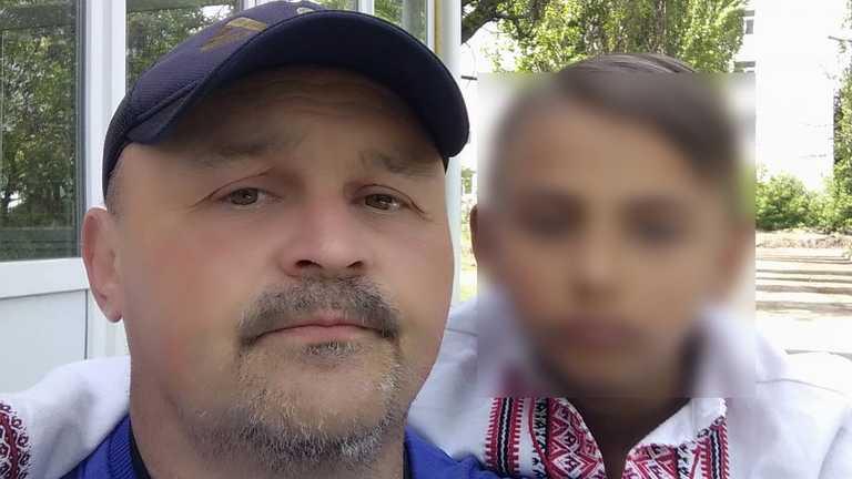 """Смерть 12-річного хлопчика в """"Артеку"""": батько з інвалідністю сам виховував сина (відео)"""