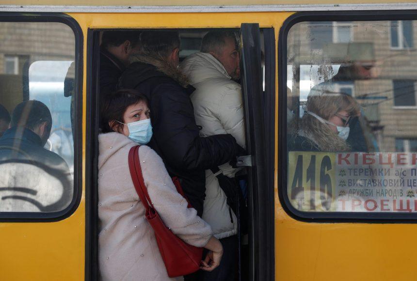 В Україні під час можливого локдауну не планують зупиняти роботу громадського транспорту