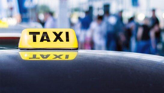 У Львові медиків на роботу возитимуть на таксі під час локдауну