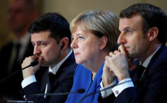 Зеленський разом із Меркель та Макроном закликали Росію відвести свої війська від України