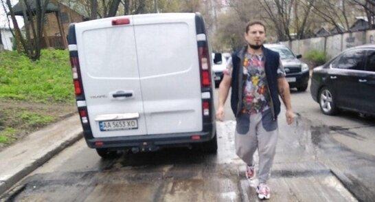 У Києві затримали чоловіка, який обстріляв бригаду комунальників (відео)