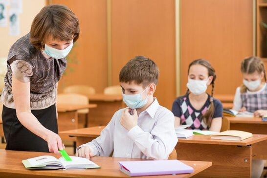 У МОН заявили, що українські школи самостійно вирішуватимуть, коли завершувати навчальний рік