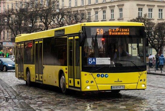 Мер Львова підтримав накладення 35% мита на білоруський транспорт