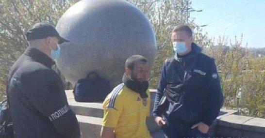 У Києві чоловік розчленував свого знайомого і заховав у сумці (фото)