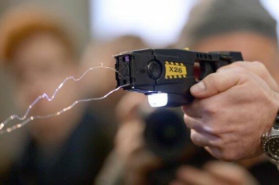 Рада не прийняла законопроєкт щодо використання поліцією електрошокерів