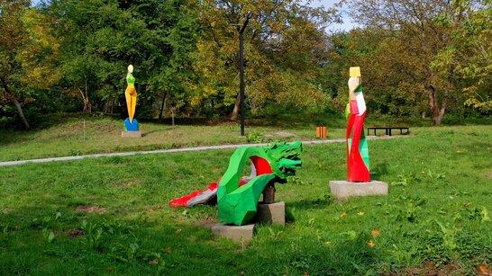 Прибирання Малоголосківського парку у Львові знаходиться на завершальному етапі (відео)