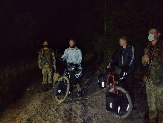 Думали, що Україна у ЄС: двоє німців незаконно перетнули кордон на Львівщині