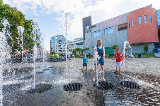 Аномальна спека у Львові: у місті температура побила історичний рекорд (відео)