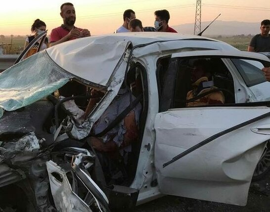 Виїхав на зустрічну смугу: у ДТП на заході Туреччини постраждали туристи з України (фото)