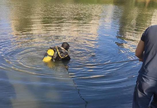 В Києві водолази витягнули з озера тіло невідомого чоловіка