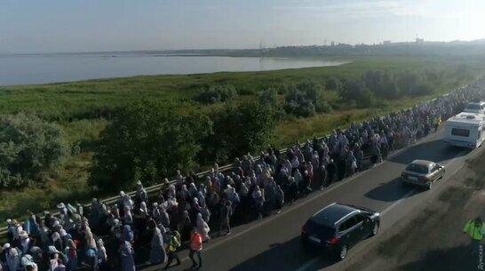 Віряни московського патріархату влаштували транспортний колапс: перекрита об'їзна Одеси (відео)