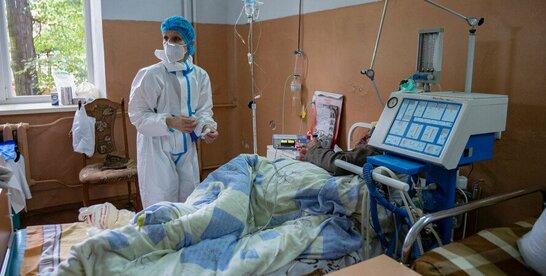За добу в Україні на COVID-19 захворіли понад 700 українців