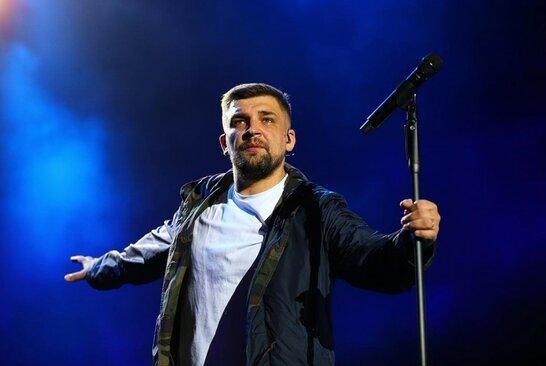 Баста знову виступив в Україні: концерт в Одесі відбувся із порушеннями умов карантину (відео)