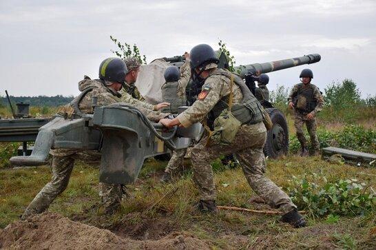 СБУ розпочинає планові навчання на Донбасі: зі зброєю і технікою
