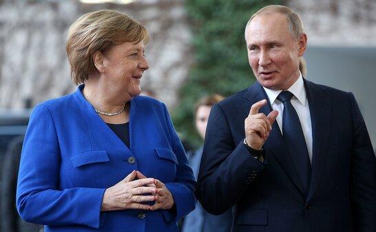 Меркель зустрінеться з Путіним перед візитом в Україну