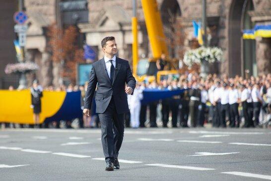 Зеленський потролив Януковича у своїй промові до Дня Незалежності (відео)