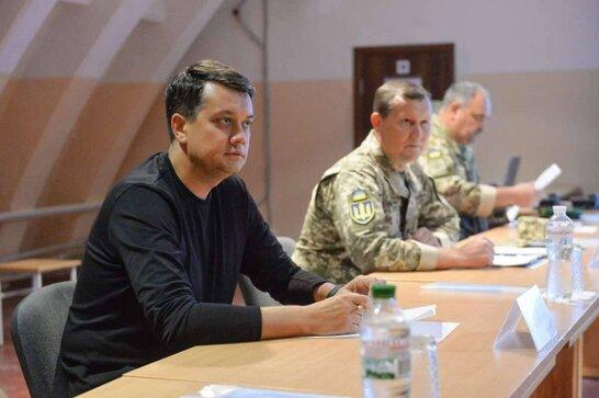 """""""Будемо захищати себе"""": Размумков відвідав район проведення Операції об'єднаних сил"""