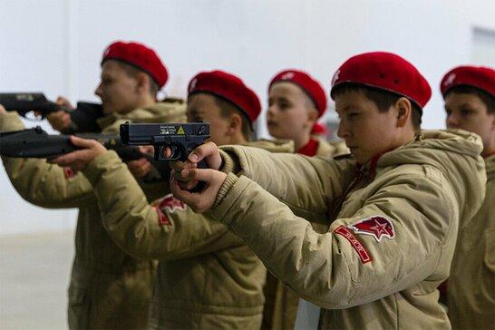 Путін'югенд на окупованих територіях: як Росія готує дитячу армію (відео)