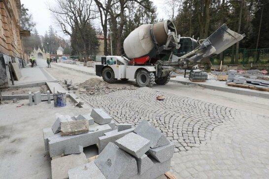 У Львові реконструкція другої частини вулиці Пекарської затримується (відео)