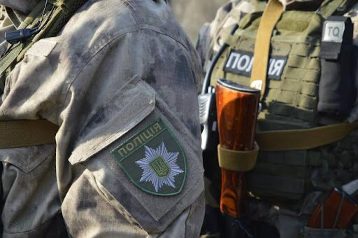 У Києві чоловік погрожував підірвати будівлю: поліція провела спецоперацію (відео)