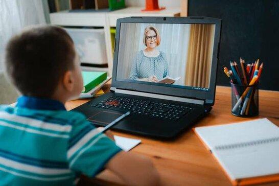 Дистанційне навчання у школах Львова: скільки освітніх закладів зможуть працювати в форматі наживо (відео)
