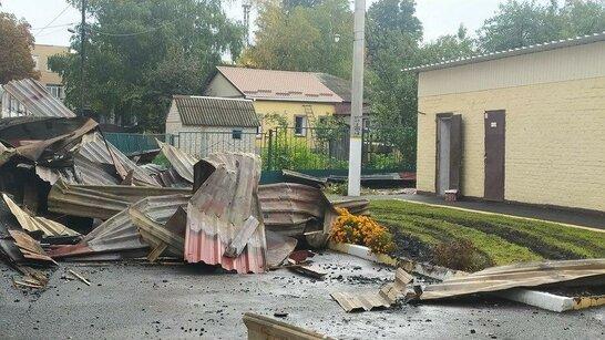 На Харківщині у школі спалахнула масштабна пожежа: рятувальники 11 годин гасили вогонь (відео)
