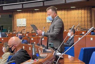 Антивакцинатор Камельчук заявив у ПАРЄ, що COVID-паспорти порушують права людини