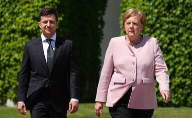 Меркель запросила Зеленського в Берлін обговорити ситуацію на Донбасі