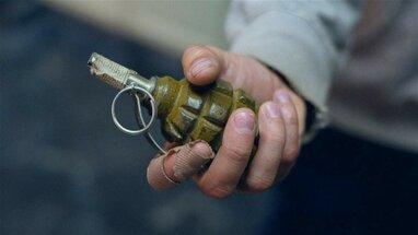 В Одесі чоловік погрожував підірвати гранату під час шкільного уроку (відео)