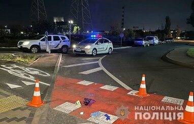 У Києві п'яний водій вантажівки збив двох пішоходів: один загиблий, інший - травмований (фото)