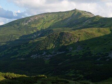 На горі Піп Іван Чорногірський декілька днів температура повітря опускається нижче нуля (фото)