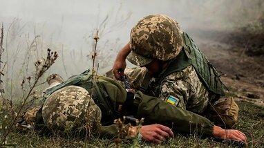 На Донбасі поранено двох військових та чотири рази порушено режим тиші