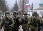 Росія перекинула до 25 тисяч своїх військових у Крим та до східних кордонів України